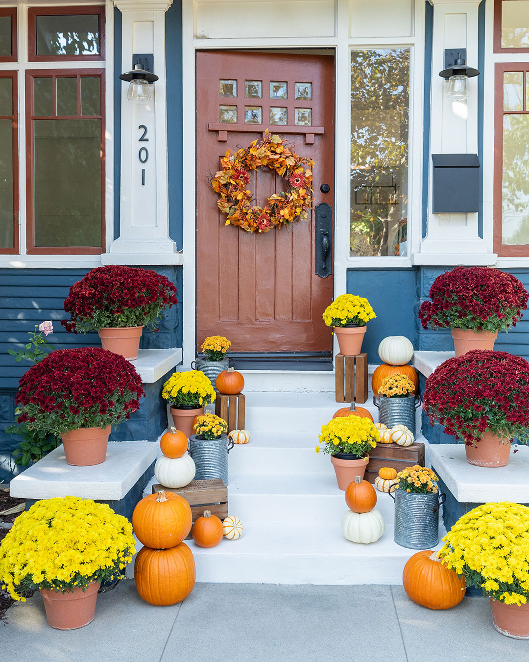 Welcoming porch 2